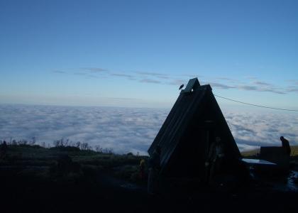Overnatning i hytter på Marangu ruten